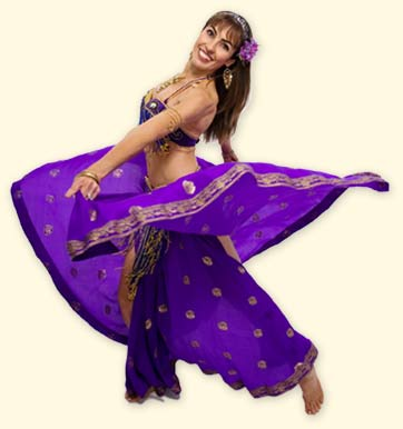 Cris offers bellydance classes for beginners and intermediates