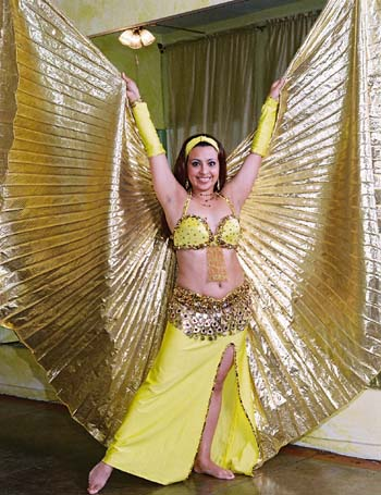 Fatima Mendoza, Bellydancer, and Teacher/instructor of classes for adults and chilren who want to belly dance